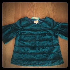 NWT Skies are Blue teal pullover blouse